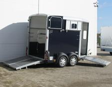 Ifor Williams HB511 mit Heckklappen/Türkombination Pf0656Iw