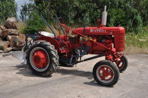 A vintage tractor by Hanomag.